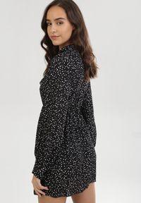 Born2be - Czarna Sukienka Helerona. Kolor: czarny. Długość rękawa: długi rękaw. Wzór: kropki. Typ sukienki: rozkloszowane. Styl: retro. Długość: mini