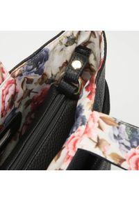 Wittchen - Torebka 2 w 1 z podszewką w kwiaty. Kolor: czarny. Wzór: kwiaty. Materiał: skórzane. Styl: elegancki. Rodzaj torebki: na ramię #2