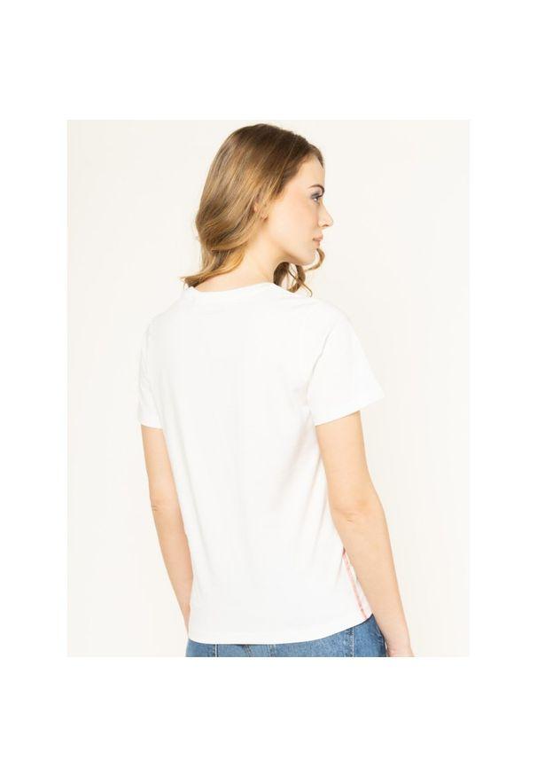 Beżowy t-shirt Pepe Jeans z dekoltem karo