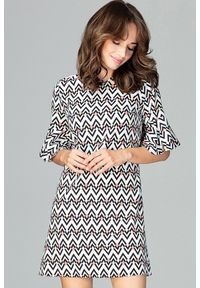 Sukienka w geometryczne wzory, trapezowa, elegancka