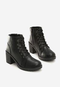 Renee - Czarne Botki Wade. Wysokość cholewki: za kostkę. Nosek buta: okrągły. Kolor: czarny. Szerokość cholewki: normalna. Sezon: jesień, wiosna. Obcas: na obcasie. Wysokość obcasa: średni