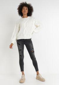 Born2be - Czarne Jeansy Skinny Aglaothoe. Kolor: czarny. Wzór: moro. Styl: militarny