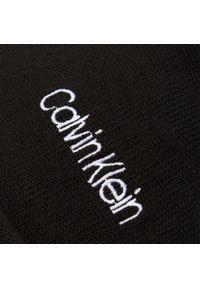 Czarna czapka zimowa Calvin Klein