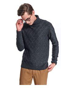 Szary sweter TOP SECRET casualowy, w geometryczne wzory, ze stójką, na zimę