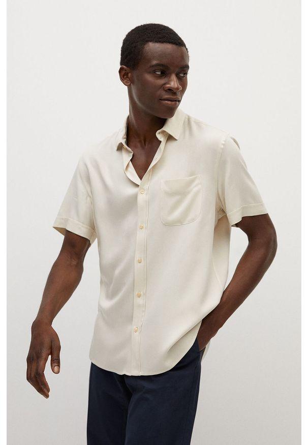Koszula Mango Man z klasycznym kołnierzykiem, casualowa, z krótkim rękawem, krótka