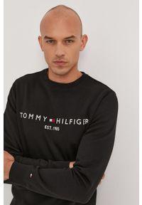 TOMMY HILFIGER - Tommy Hilfiger - Bluza. Okazja: na co dzień. Kolor: czarny. Materiał: dzianina, bawełna. Wzór: aplikacja. Styl: casual
