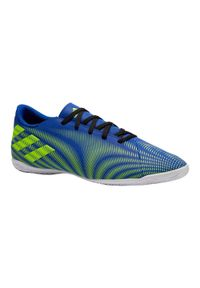 Buty halowe do piłki nożnej dla dorosłych Adidas NEMEZIZ. Kolor: niebieski, żółty, wielokolorowy. Materiał: mikrofibra, skóra, kauczuk, syntetyk. Szerokość cholewki: normalna