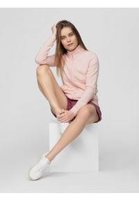 Różowa bluza rozpinana 4f ze stójką