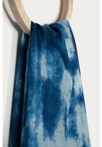 Niebieski szalik Desigual
