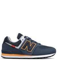 New Balance > GC574SY2. Zapięcie: sznurówki. Materiał: syntetyk, materiał, zamsz. Szerokość cholewki: normalna. Model: New Balance 574. Sport: turystyka piesza