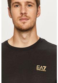 EA7 Emporio Armani - T-shirt. Okazja: na co dzień. Kolor: czarny. Materiał: dzianina. Styl: casual