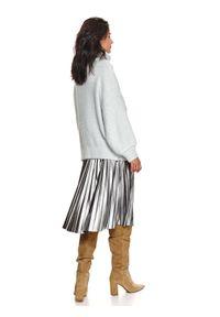 TOP SECRET - Miękki sweter z golfem. Typ kołnierza: golf. Kolor: turkusowy. Materiał: materiał. Długość: długie. Sezon: zima