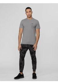 4f - Spodnie dresowe męskie Wilfredo Leon x 4F. Kolor: szary. Materiał: dresówka