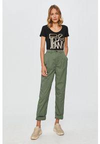 Pepe Jeans - Spodnie Breeze. Kolor: zielony. Materiał: tkanina