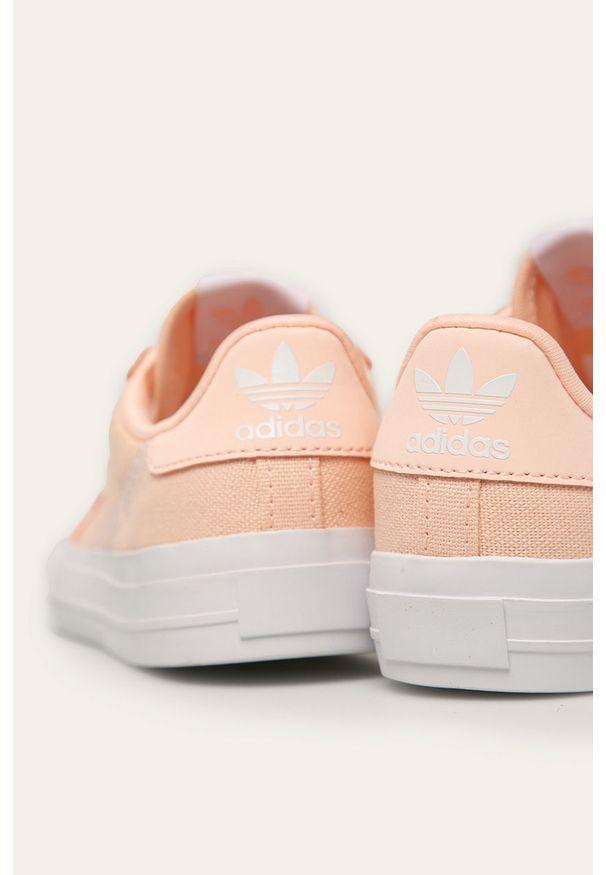 Różowe trampki adidas Originals z cholewką, na sznurówki