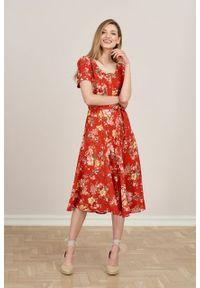 Marie Zélie - Sukienka Rosa Bouquet czerwona. Typ kołnierza: kokarda. Kolor: czerwony. Materiał: tkanina, wiskoza, len, materiał. Długość rękawa: krótki rękaw. Długość: midi