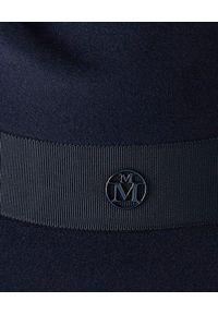 MAISON MICHEL PARIS - Kapelusz Henrietta. Kolor: niebieski. Materiał: jedwab, materiał. Wzór: aplikacja
