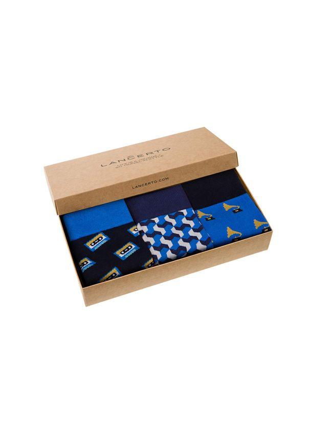 Niebieskie skarpetki Lancerto w kolorowe wzory