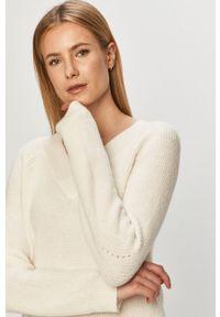 Biały sweter Jacqueline de Yong gładki, długi, casualowy, z długim rękawem