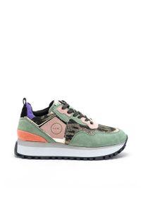 Zielone sneakersy GOE na sznurówki, na średnim obcasie, na obcasie