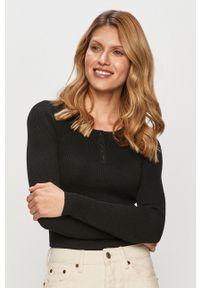 only - Only - Sweter. Kolor: czarny. Materiał: dzianina, poliester. Długość rękawa: długi rękaw. Długość: krótkie