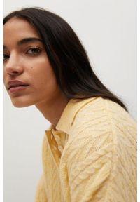 mango - Mango - Sweter SAFARI. Kolor: żółty. Materiał: dzianina. Długość rękawa: długi rękaw. Długość: krótkie. Wzór: ze splotem