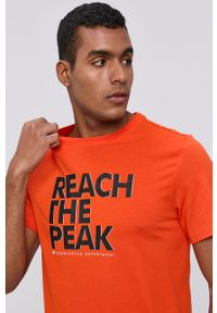 4f - 4F - T-shirt. Okazja: na co dzień. Kolor: pomarańczowy. Materiał: dzianina. Wzór: nadruk. Styl: casual