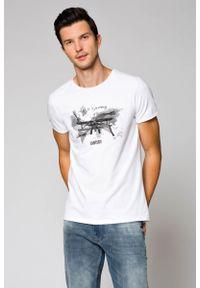 Biały t-shirt Lancerto z klasycznym kołnierzykiem, z napisami, klasyczny