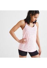 DOMYOS - Koszulka na ramiączkach fitness FTA 500. Kolor: różowy, czerwony, wielokolorowy. Materiał: poliester, materiał. Długość rękawa: na ramiączkach. Sport: fitness