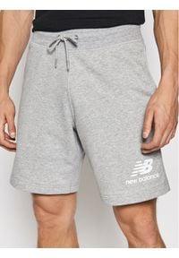 New Balance Szorty sportowe Essentials MS03558 Szary Regular Fit. Kolor: szary