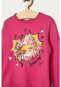 Różowa bluza Guess z nadrukiem, casualowa, na co dzień