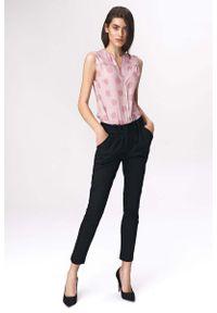 Nife - Czarne Spodnie Cygaretki z Zakładkami. Kolor: czarny. Materiał: poliester, wiskoza, elastan