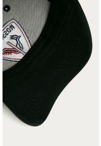 Czarna czapka z daszkiem Rossignol z aplikacjami