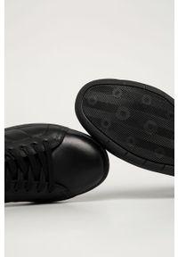 Czarne sneakersy Wojas na sznurówki, z cholewką, z okrągłym noskiem