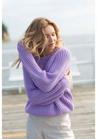 Fioletowy sweter MOE klasyczny