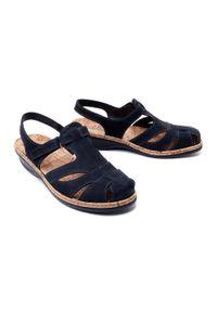 Niebieskie sandały Suave na koturnie, na rzepy