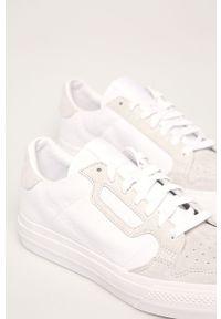 Białe niskie trampki adidas Originals z cholewką, na sznurówki, z okrągłym noskiem