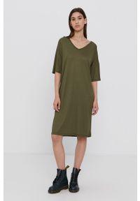 Vila - Sukienka. Kolor: zielony. Materiał: dzianina. Długość rękawa: krótki rękaw