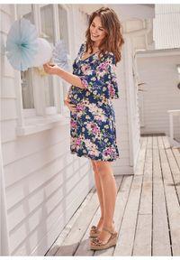 Niebieska sukienka bonprix moda ciążowa, w kwiaty