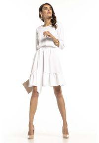 Tessita - Biała Lekka Rozkloszowana Sukienka z Falbanką. Kolor: biały. Materiał: poliester, elastan