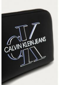 Calvin Klein Jeans - Kosmetyczka. Kolor: czarny