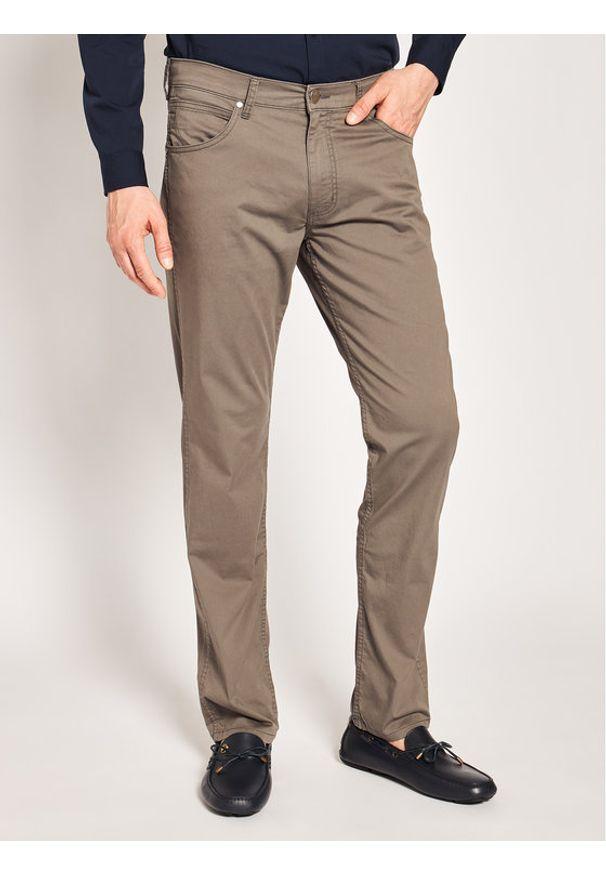 Brązowe spodnie Wrangler