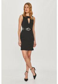 Guess - Sukienka. Okazja: na co dzień. Kolor: czarny. Materiał: tkanina. Typ sukienki: proste. Styl: casual