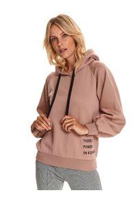 TOP SECRET - Luźna bluza z nadrukiem. Kolor: różowy. Materiał: tkanina. Długość rękawa: długi rękaw. Długość: długie. Wzór: nadruk. Sezon: jesień