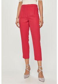 Różowe spodnie materiałowe Silvian Heach na co dzień, gładkie, z podwyższonym stanem, klasyczne