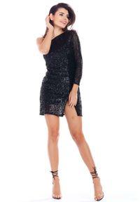 Awama - Czarna Cekinowa Sukienka na Jedno Ramię. Kolor: czarny. Materiał: poliester, elastan