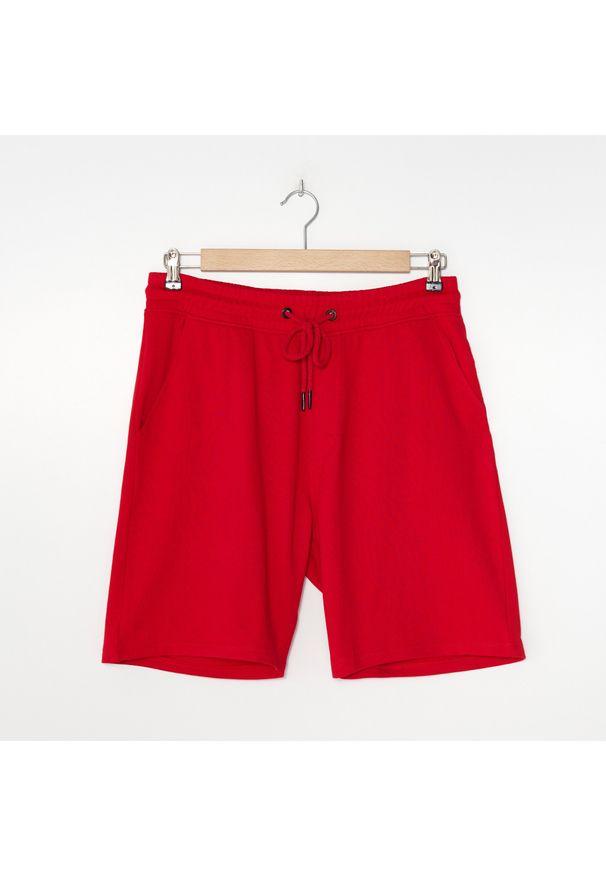 House - Dresowe szorty basic - Czerwony. Kolor: czerwony. Materiał: dresówka