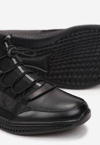 Born2be - Czarne Półbuty Hyreope. Okazja: na co dzień. Nosek buta: okrągły. Zapięcie: bez zapięcia. Kolor: czarny. Materiał: materiał. Szerokość cholewki: normalna. Styl: sportowy, casual