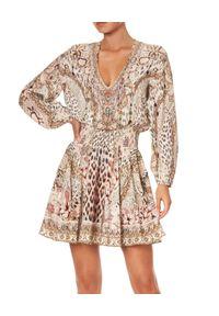 Camilla - CAMILLA - Jedwabna sukienka mini All Is Nouveau. Kolor: brązowy. Materiał: jedwab. Wzór: nadruk, aplikacja, kolorowy. Długość: mini