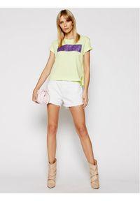 Guess T-Shirt Adria W1RI05 JA900 Żółty Regular Fit. Kolor: żółty